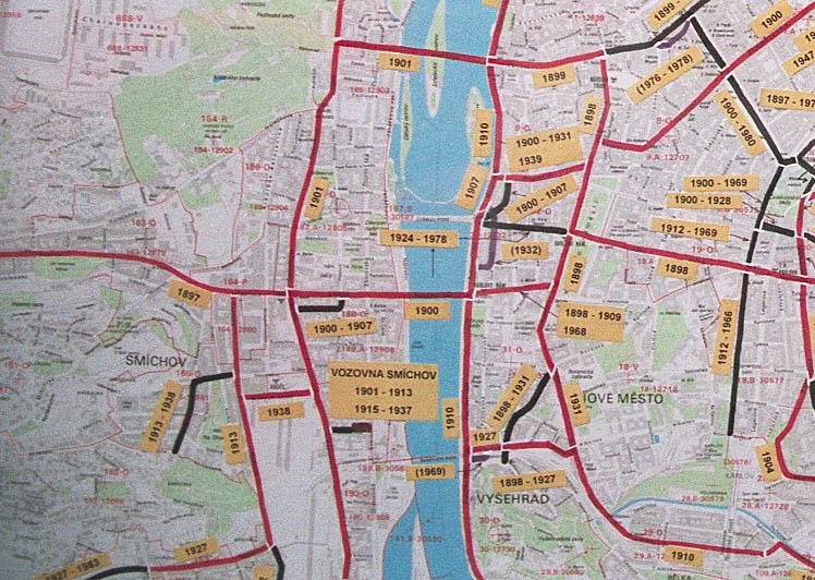 На этой странице приведён фрагмент схемы трамвайных линий Праги, сфотографированной мною в музее городского...